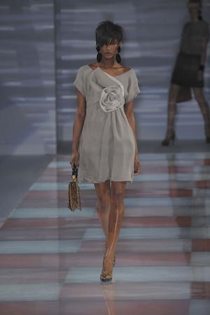 Показы мод Emporio Armani Осень-зима 2010-2011 | Подиум на ELLE - Подиум - фото 2767