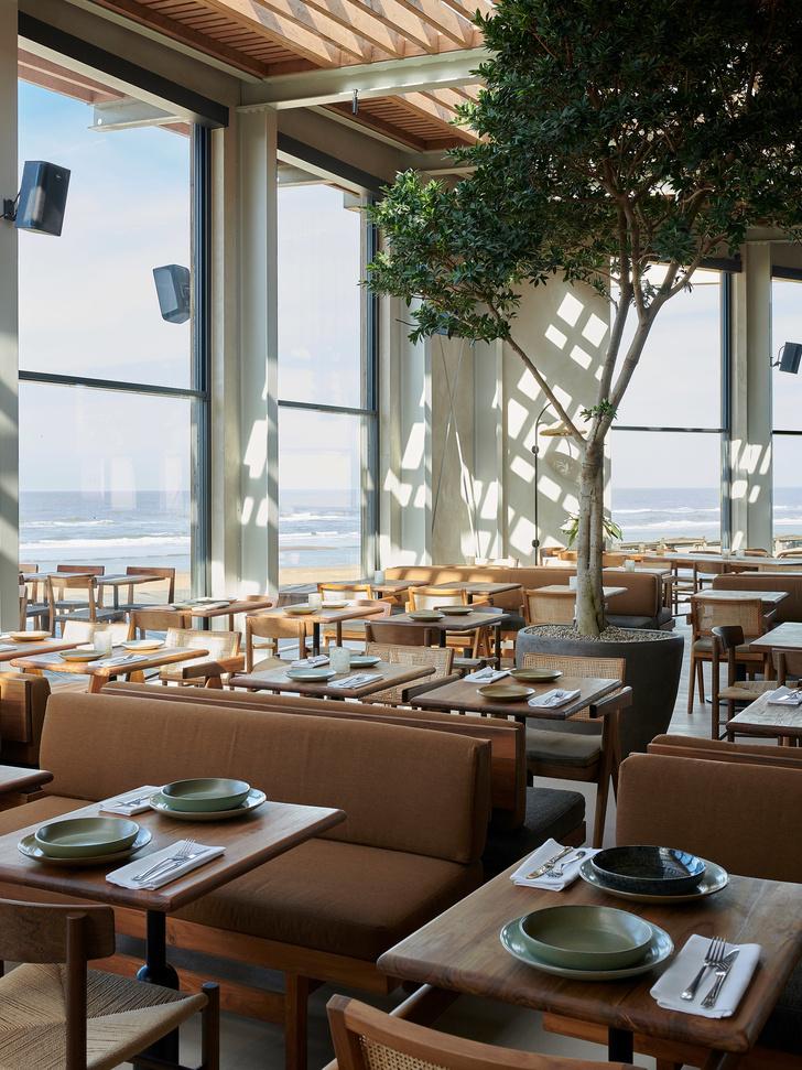 Уютный ресторан с видом на море (фото 2)