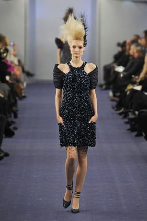 Показ  коллекции сезона Весна-лето 2012 года haute couture - www.elle.ru - Подиум - фото 331327