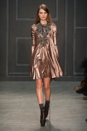 Показы мод Vera Wang Осень-зима 2014-2015 | Подиум на ELLE - Подиум - фото 3857