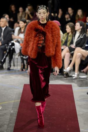 Показы мод Givenchy Осень-зима 2015-2016 | Подиум на ELLE - Подиум - фото 4293