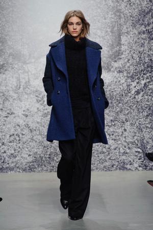 Показ Paul & Joe коллекции сезона Осень-зима 2014-2015 года prêt-à-porter - www.elle.ru - Подиум - фото 583783