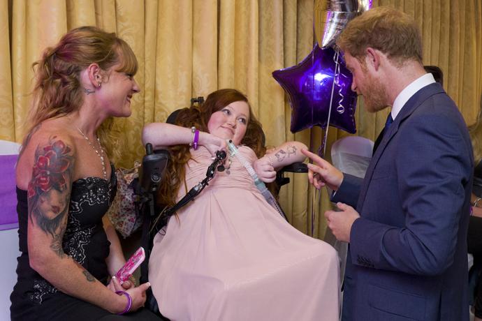 Принц Гарри навестил серьезно больных детей