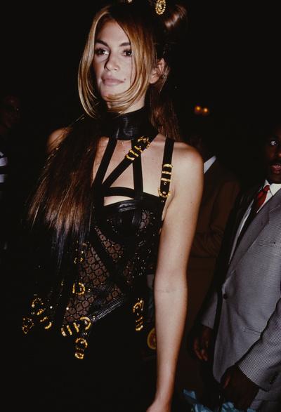 Ким Кардашьян в платье как у Донателлы Версаче на afterparty Met Gala (галерея 5, фото 2)