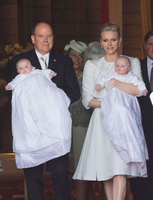 Фото дня: князь и княгиня Монако на крещении близнецов (фото 6)
