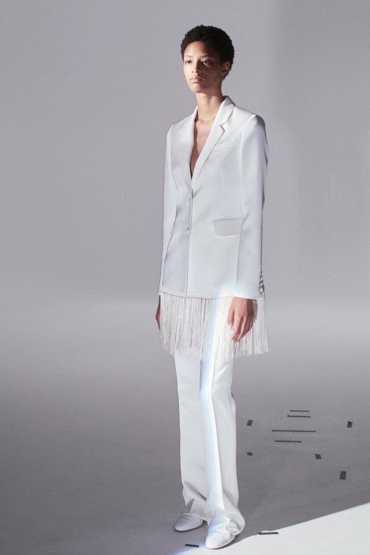 Инструкция: 5 свежих способов носить белоснежные вещи (фото 2)