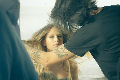Дочь Шона Пенна Дилан стала лицом бренда Ermanno Scervino | галерея [1] фото [8]