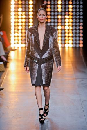 Показы мод Julien Fournie Осень-зима 2012-2013 | Подиум на ELLE - Подиум - фото 1349