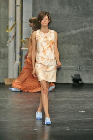 Показы мод Chris Benz Весна-лето 2009 | Подиум на ELLE - Подиум - фото 3475