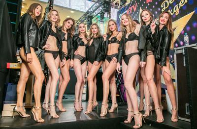 Екатерина Климова, Альбина Джанабаева, Согдиана и другие на показе Lise Charmel (галерея 1, фото 4)