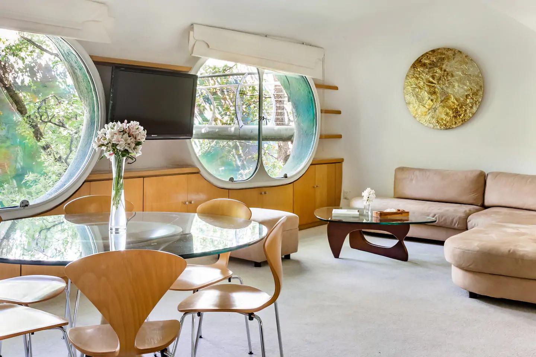 «Гнездо Кетцалькоатля» можно снять через Airbnb (галерея 9, фото 1)