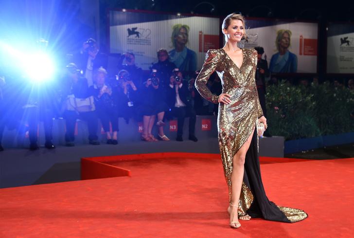 Виктория Боня в Balmain на Венецианском кинофестивале