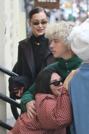 Модный отряд: Белла Хадид и Кендалл Дженнер в Нью-Йорке (фото 4)