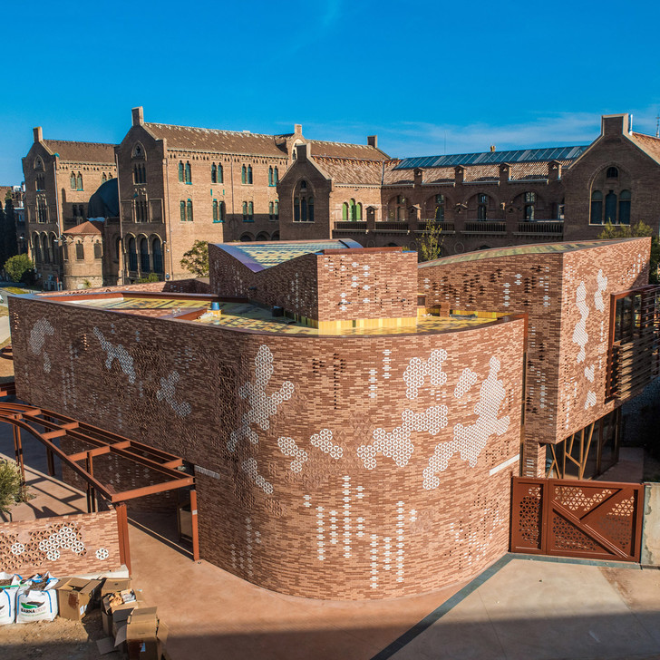 EMBT + Патрисия Уркиола: паллиативный центр в Барселоне (фото 2)