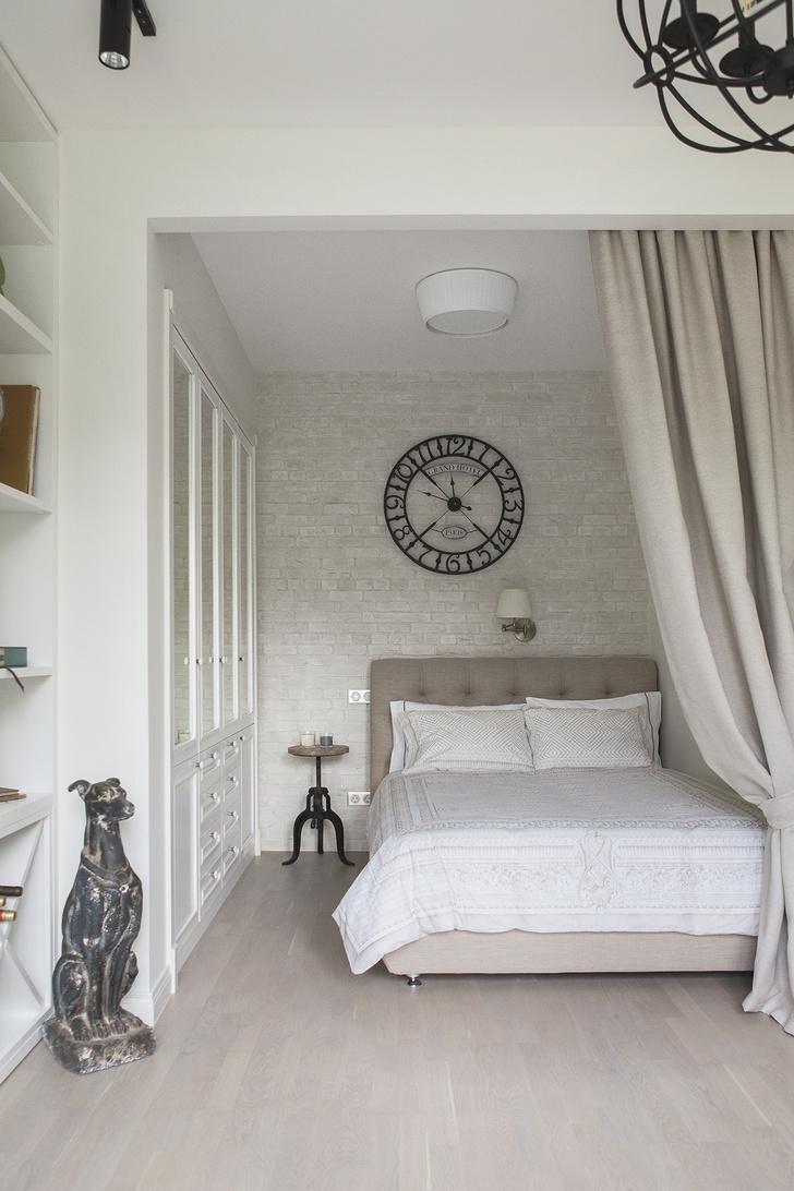 Маленькая спальня: 7 практичных решений (фото 20)