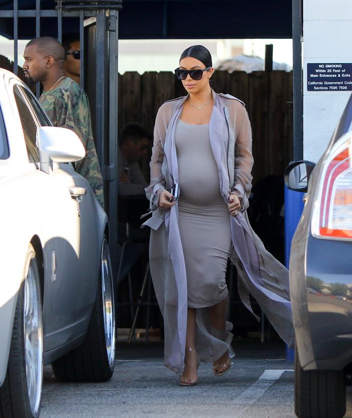30 лучших нарядов беременной Ким Кардашьян