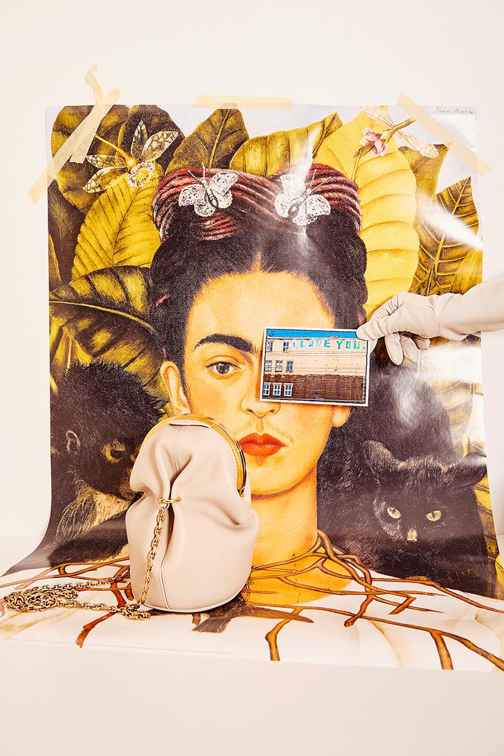 Бумажная страна: модные аксессуары как атрибуты поэтического творчества (фото 4)