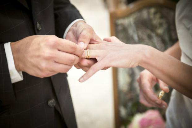 Психологи рассчитали лучший возраст вступления в брак