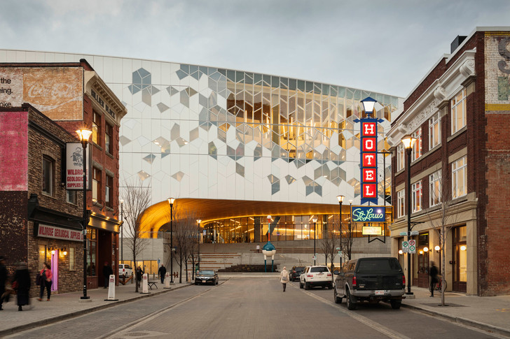 В Калгари открылась городская библиотека по проекту Snøhetta (фото 3)