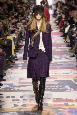 Показы мод Christian Dior осень-зима  2018-2019 | Подиум на ELLE - Подиум - фото 6781