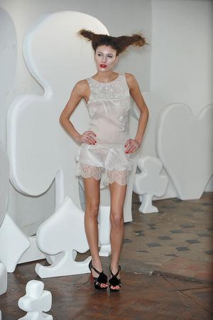 Показ On Aura Tout Vu коллекции сезона Весна-лето 2010 года haute couture - www.elle.ru - Подиум - фото 138770