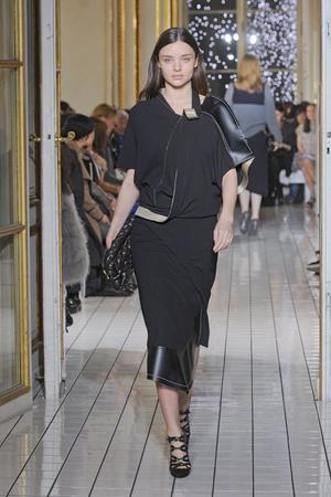 Показы мод Balenciaga Осень-зима 2011-2012 | Подиум на ELLE - Подиум - фото 2168