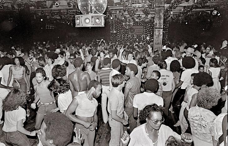«Ночная лихорадка. Дизайн клубной культуры с 1960х годов и до наших дней» (фото 5)