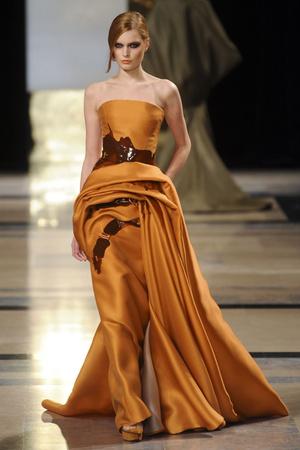 Показ Stephane Rolland коллекции сезона Весна-лето 2011 года Haute couture - www.elle.ru - Подиум - фото 215990