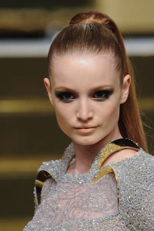 Показ Versace Haute Couture коллекции сезона Весна-лето 2012 года Haute couture - www.elle.ru - Подиум - фото 330307