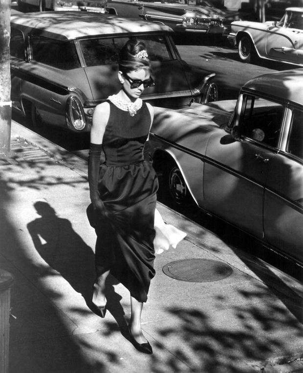Одри Хепберн, 923 000 долларов