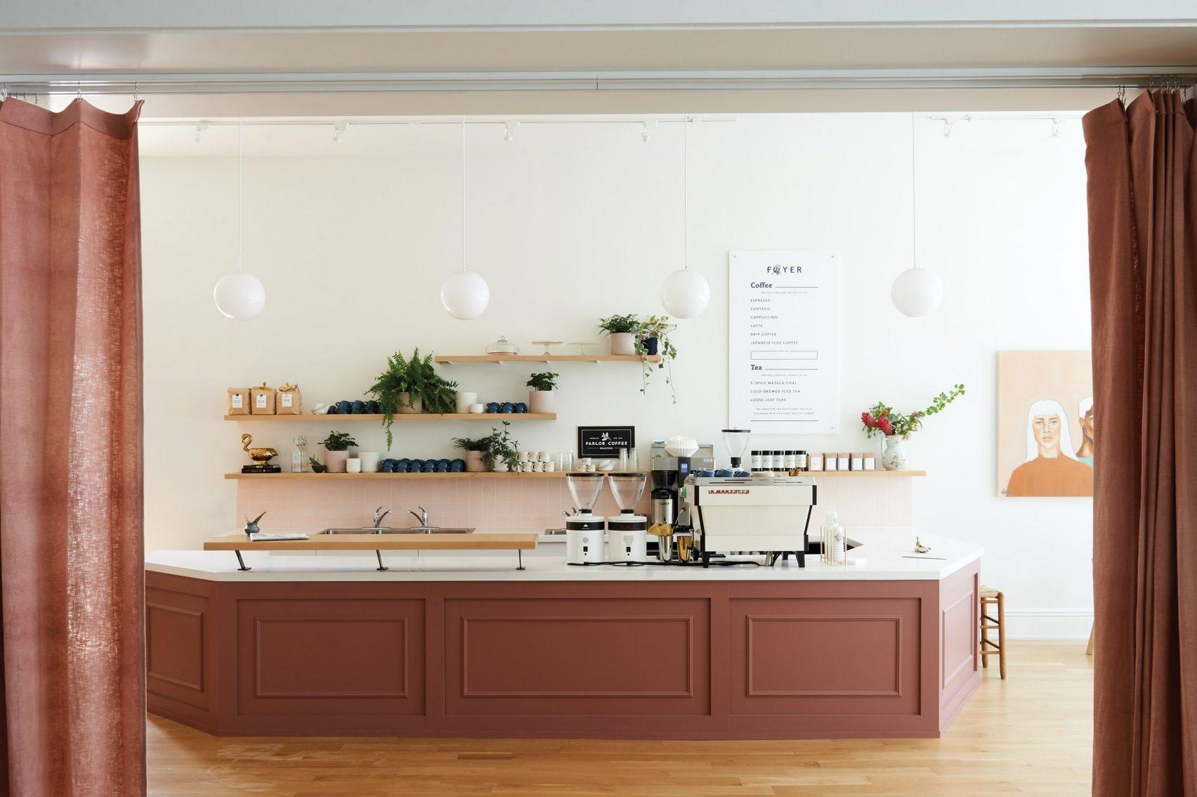 Уютное кафе-коворкинг в здании XIX века (галерея 10, фото 1)
