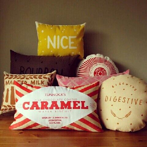 Подушки Biscuit cushions, дизайн Никки МакУильямс, Nikki McWilliams.