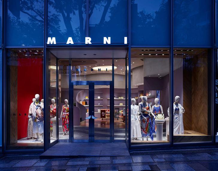 Извилистая геометрия: бутик Marni в Токио (фото 8)
