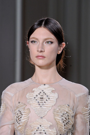 Показ Valentino коллекции сезона Весна-лето 2012 года Haute couture - www.elle.ru - Подиум - фото 333872