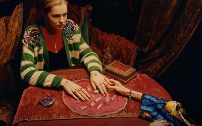 Взгляд в будущее: рекламная кампания часов и украшений Gucci (галерея 1, фото 1)