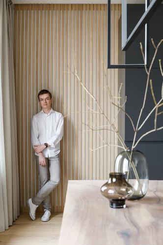 Минимализм в теплых тонах: квартира 115 м² в Санкт-Петербурге (фото 2)