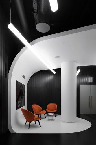 Офис L'Oréal по проекту IND Architects в Москве (фото 2.1)
