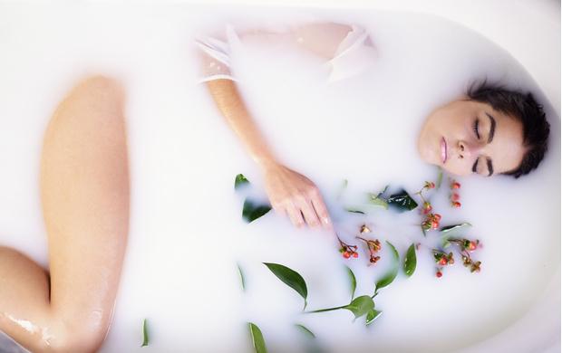 Молочная ванна: омоложение по-королевски (фото 4)
