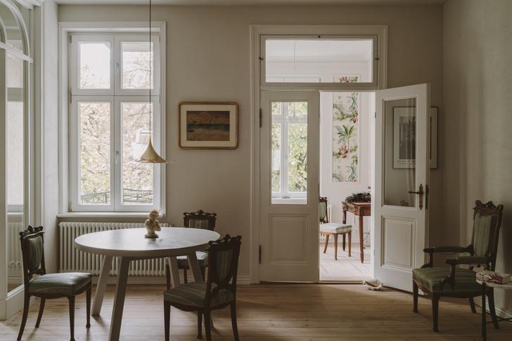 Элегантная квартира в довоенном доме (фото 0)