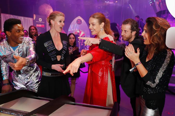 На пути к звездам: Наталья Водянова устроила благотворительный бал в Лондоне (фото 1)