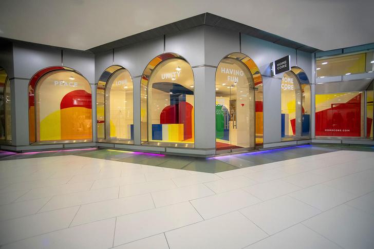 Яркий бутик мужской одежды в Париже (фото 2)