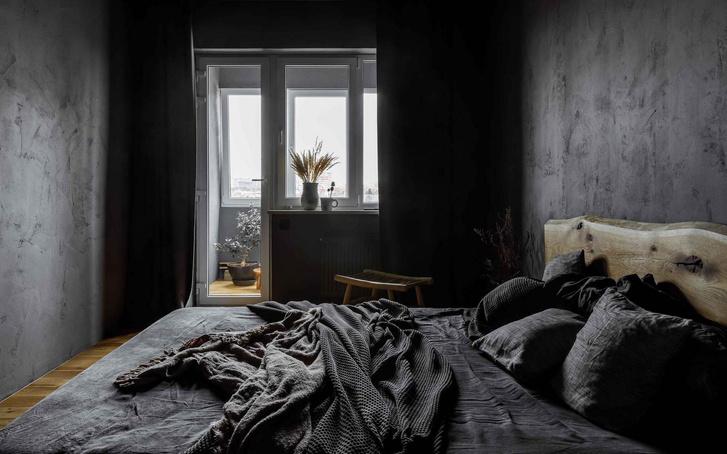Брутальная квартира в бежевых тонах с черной спальней 72 м² (фото 15)