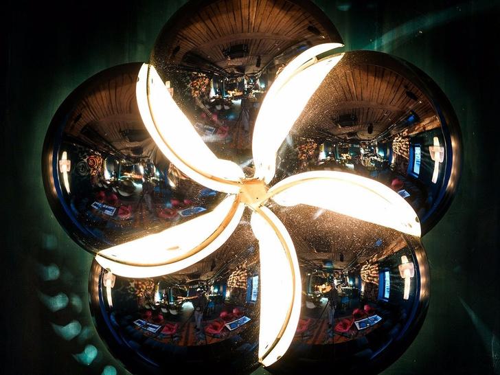 Богемная эстетика 90-х годов: винный бар в Москве (фото 21)