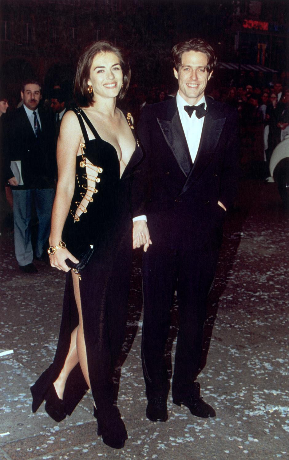 169b479fbb1e 7 легендарных платьев Versace   Звездный стиль на www.elle.ru