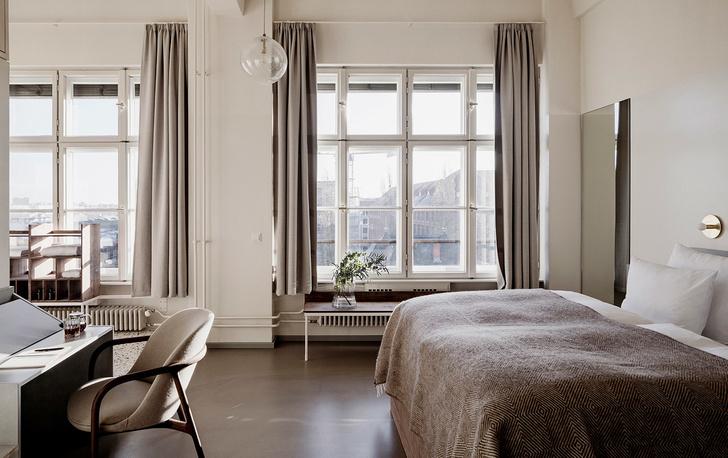 Монохромный отель Michelberger в Берлине (фото 0)