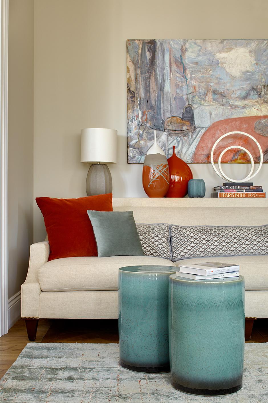 Яркие подушки в интерьере: 20 идей (галерея 0, фото 2)