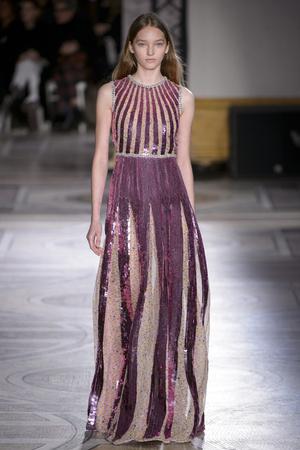 Показ Giambattista Valli коллекции сезона Весна-лето 2018 года Haute couture - www.elle.ru - Подиум - фото 671891