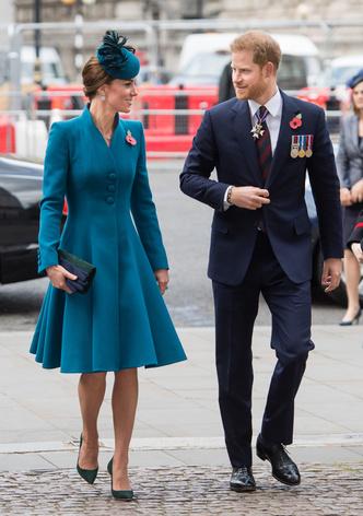 Смех и семейная идиллия: Кейт Миддлтон и принц Гарри вдвоем в Лондоне (фото 0.1)