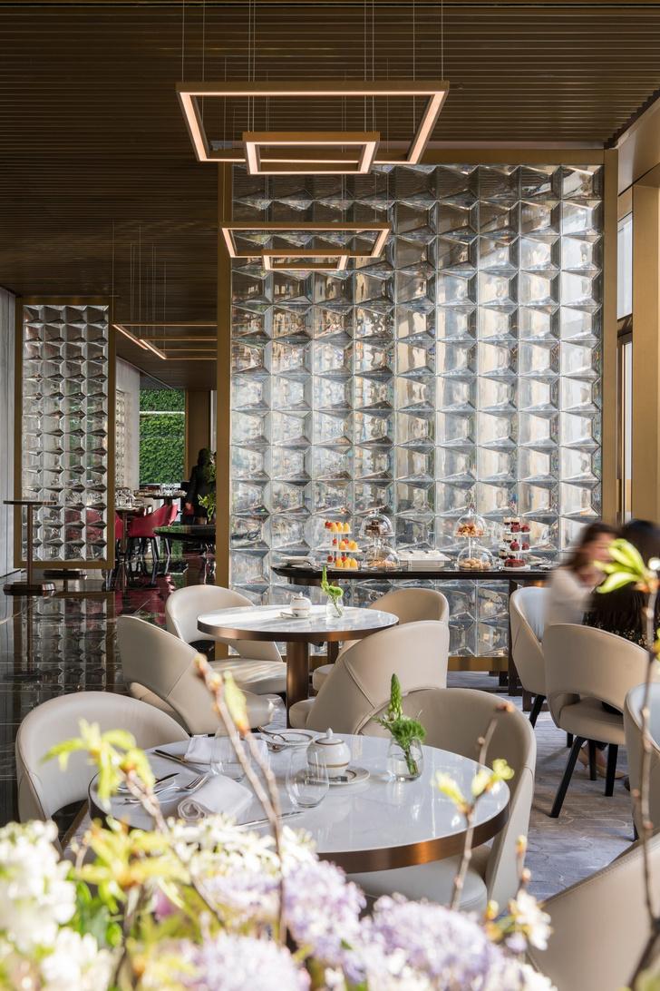 Завершилась реконструкция иконы модернизма Гонконга от Foster + Partners (фото 15)