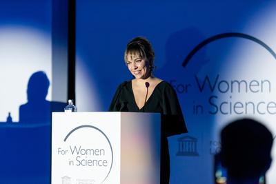 L'Oréal наградили десять российских женщин-ученых (галерея 3, фото 0)